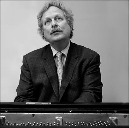 Charles-piano-4small